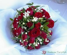 Bukiet ślubny z czerwonymi różami