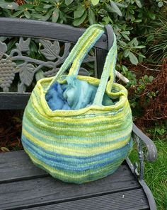 Free Knitting Pattern - Bags, Purses & Totes: Visby Felted Bag