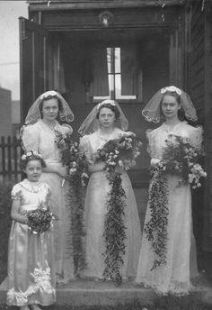 1939 bridesmaids