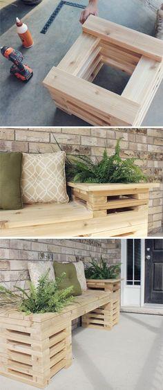 Für Balkon, Terrasse oder Garten: Bank mit Bepflanzung aus einzelnen Holzbrettern und -bohlen. Gefunden auf