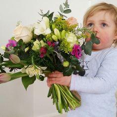 Vintage style posy  xx #vintageposy #posy #flowerarrangement #flowers #flowersofinstagram #florist #lilacsforlucy #bellarinepeninsula #bellarine #oceangrove #geelong #geelongcreatives #supportlocal #madeingtown #smallbusiness by lilacsforlucy http://ift.tt/1JO3Y6G
