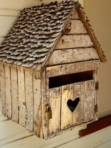 handmade wooden mailbox - thinking of doing something similar.