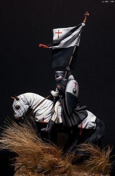 MMZ - Templar Knight with Baucant 1200-1230 (PEGASO MODELS 54mm )