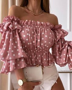 Trend Fashion, Look Fashion, Blouse Styles, Blouse Designs, Chic Outfits, Fashion Outfits, Fashion Blouses, Fancy Tops, Casual Fall