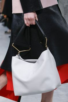 See detail photos for Marni Spring 2016 Ready-to-Wear collection.