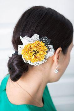 DIY Wednesday: Floral Hair Clip - Project Wedding Blog