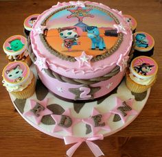 Sheriff Callie 1 round cake. Change badges to gold and number to a 3 gold