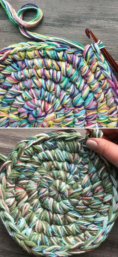 Scrap Yarn Crochet, Knit Or Crochet, Crochet Gifts, Crochet Rugs, Free Crochet, Knitted Rug, Crochet Home, Crochet Rug Patterns, Crochet Basket Pattern