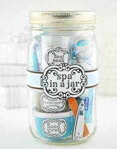 big/little giftie idea ~ DIY spa in a mason jar ☺ - DIY @ Craft's Handmade Christmas Gifts, Homemade Christmas, Holiday Gifts, Christmas Diy, Christmas Presents, Christmas Hamper, Hostess Gifts, Mum Christmas Gift Ideas, Office Christmas Gifts