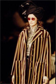Romeo Gigli a/i Fashion Images, Look Fashion, Fashion Outfits, Ethnic Fashion, Retro Fashion, Vintage Fashion, Ying Gao, Liberty Fashion, Gypsy Style