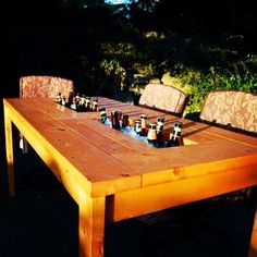 Cool table idea...Great for outdoor Barbecues and Birthday parties!! :D