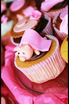 enter to win your choice of cupcake or cake topper at Bacon Time, ends 11/26/11