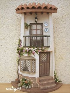 Risultati immagini per tejas decoradas Tile Crafts, Clay Crafts, Diy And Crafts, Clay Fairy House, Fairy Garden Houses, Clay Houses, Ceramic Houses, Miniature Crafts, Miniature Houses