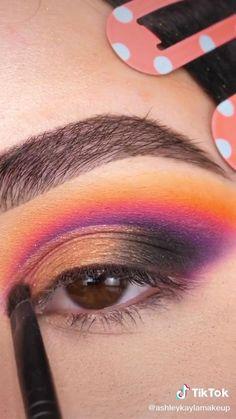 Eye Makeup Steps, Eye Makeup Art, Skin Makeup, Eyeshadow Makeup, Creative Eye Makeup, Colorful Eye Makeup, Eye Makeup Designs, Pinterest Makeup, Makeup Makeover