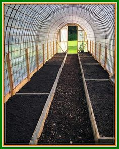 construction-dune-serre-tunnel-par-sofie-persson-pankpraktikan-ediblegarden-construction/ - The world's most private search engine Tunnel Greenhouse, Diy Greenhouse Plans, Backyard Greenhouse, Small Greenhouse, Greenhouse Wedding, Homemade Greenhouse, Pallet Greenhouse, Underground Greenhouse, Portable Greenhouse