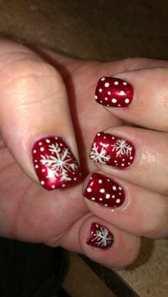 Snowflake fingernails - My mom would love this