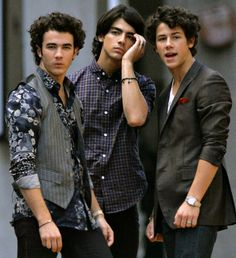 Jonas Brothers FAMILY THERAPY? - http://oceanup.com/2014/03/05/jonas-brothers-family-therapy/