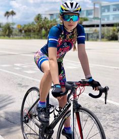 As a beginner mountain cyclist, it is quite natural for you to get a bit overloaded with all the mtb devices that you see in a bike shop or shop. There are numerous types of mountain bike accessori… Buy Bike, Bike Run, Bike Rides, Cycling Girls, Road Cycling, Cycling Gear, Female Cyclist, Road Bike Women, Women Motorcycle