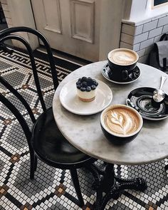 Cappuccino per due! But First Coffee, I Love Coffee, Coffee Break, My Coffee, Morning Coffee, Morning Breakfast, Sweet Coffee, Morning Morning, Coffee Cafe