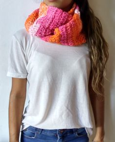 Bufanda infinita MIX-PINK ideal para el invierno, solo en CharáTejidos ♥ Crochet, Pink, Fashion, Infinity Scarfs, Winter, Trends, Moda, La Mode, Crochet Crop Top
