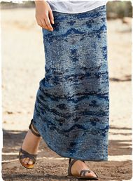 An abstract take on an old Moroccan textile, our casual pima jacquard skirt is dappled in waves of indigo.