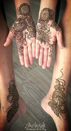 Rose design #mehndibyveronicadelapaz #mehndicancun #mehndi #mehndidestinattionwedding #destinattionweddings #hennamexico #mehndimexico  #bridalmehndi #indianweddings #southeastweddings   www.mehndibyveronicadelapaz.com