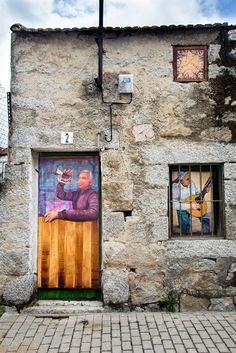 Arte urbano. Murales artisticos. Pintura en la calle. Fresnedillas de la Oliva. Casasvivas