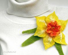 Felt daffodil brooch. Wet felted flower pin. Yellow от Crafts2Love, $23.00