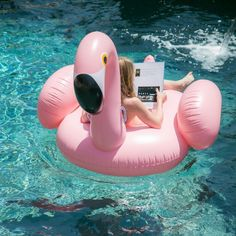 I could get on board with the flamingo float trend this summer!