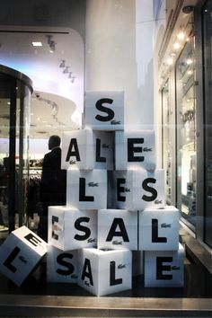 Retail signage ideas and inspiration sarah quinn visual merchandising + con Visual Merchandising Displays, Visual Display, Display Design, Store Design, Sale Signage, Signage Display, Retail Signage, Window Signage, Billboard