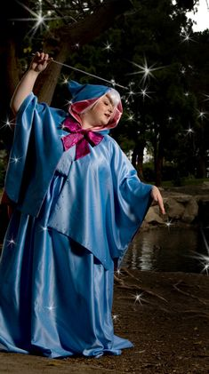 Great Cosplay of Fairy Godmother - use as a reference for pattern.