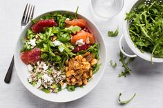 Winter citrus salad with harissa-spiced white beans and mint Food Dishes, Main Dishes, Healthy Cooking, Healthy Eating, Pescatarian Recipes, White Beans, Clean Recipes, Salad Recipes, Meal Planning