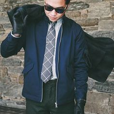 Smart casual style this winter. Navy Harrington jacket with windowpane patterned necktie, tie bar, black gloves and brown sunglasses. Suit Fashion, Mens Fashion, Smart Casual, Men Casual, Casual Outfits, Business Casual Men, Classy Men, Harrington Jacket, Fashion Essentials