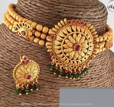 Attractive Jewels at affordable price from Antique_Attraction Vanki Designs Jewellery, Gold Mangalsutra Designs, Beaded Jewelry Designs, Jewelry Patterns, Gold Bangles Design, Gold Earrings Designs, Necklace Designs, Gold Jewelry Simple, Gold Wedding Jewelry