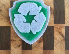 Paw Patrol rotsachtige Pup Tag ~ Pup Badge ~ Paw Patrol rotsachtige ~ Recycle hergebruik Pup ~ groene Pup ~ Paw Patrol rotsachtige kostuum