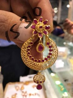 Gold Jhumka Earrings, Jewelry Design Earrings, Gold Earrings Designs, Beaded Jewelry, Gold Bangles Design, Gold Jewellery Design, Bridal Necklace Set, Gold Jewelry Simple, Jewelry Patterns