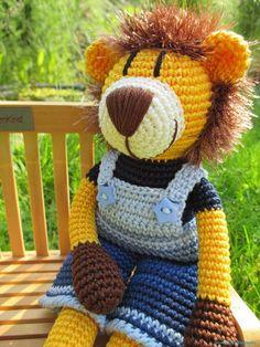 Häkelanleitung Lennard Löwe Diy Crochet, Crochet Dolls, Handmade Soft Toys, Knitted Animals, Fur Babies, Teddy Bear, Diys, Knitting, Free