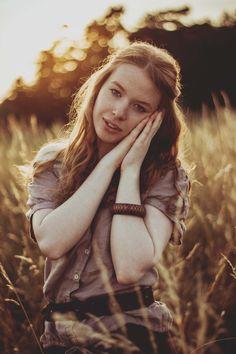 2017 | snílek #portrait #photography #photoshoot #inexpertphoto #mood #moodphoto #moodphotography #model #photomodel #czechgirl #portrétnífotografie #ginger #zrzka #readhead #pihy #freckle #beautiful #mystery #secret