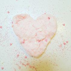 Valentines Day fairy floss heart. www.theboutiquebox.com.au