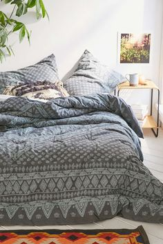 Magical Thinking Ally Diamond Comforter - Urban Outfitters