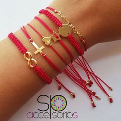 Image may contain: jewelry Handmade Beaded Jewelry, Macrame Jewelry, Handmade Bracelets, Cute Jewelry, Diy Jewelry, Women Jewelry, Jewelry Making, Bracelet Crafts, Macrame Bracelets