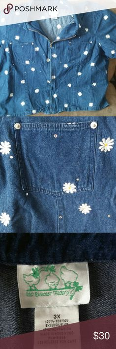 The Quaker Factory Floral Jacket This beautiful jacket is full of beautiful embroidered flowers as well as rhinstones. It gives the illusion of being denim but is actually a light weight cotton. Great condtion, good quality. Offers always welcomed. Quacker Factory Tops