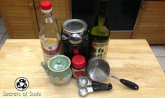 Eel sauce (nitsume) is the most popular sushi sauce in the U. There are lots of recipes out there, but this is a simple, more sustainable version. Eel Recipes, Sushi Recipes, Sauce Recipes, Gourmet Recipes, Eel Sauce Recipe, Unagi Sauce, Sushi Sauce, Fish Marinade, Recipes