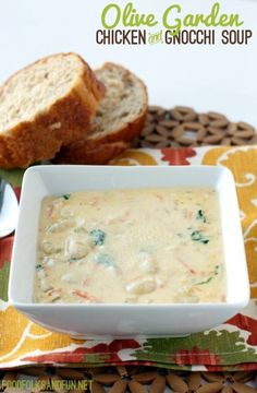 Chicken and Gnocchi Soup Olive Garden Copycat Recipe. My favorite olive garden soup! Copycat Recipes, Crockpot Recipes, Soup Recipes, Great Recipes, Cooking Recipes, Favorite Recipes, Chef Recipes, Chicken Recipes, Recipies