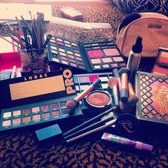 <3 makeup set