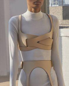70s Fashion, Fashion 2020, Couture Fashion, Runway Fashion, Korean Fashion, High Fashion, Fashion Outfits, Womens Fashion, Fashion Trends