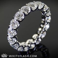 this one is so amazing, looks like the diamonds are almost sitting alone... #Whiteflash #Verragio