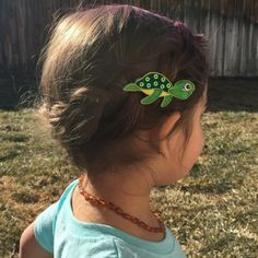 Under the sea collection, this little lime turtle is sure to be a favorite hair clip! All clips come on our special no-slip velvet lined hair clip, that will stay put and look adorable! #noslippyhairclippy #hairclippy #nosliphairclips #turtle #toddlerhairclips #girls #hairclips #momlife #toddlerlife #babystyle #shopsmallbusiness #madeintheusa Toddler Hair Clips, Baby Hair Clips, Baby Headbands, Sea Hair, Girls Hair Accessories, Baby Bows, Under The Sea, Girl Hairstyles, Toddler Girl
