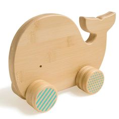 Bamboo Baby Toy Blue Whale on Wheels Push Toy by Petit Collage. All natural bamboo tested with rigorous standards. Push Toys, Bois Diy, Wooden Animals, Wood Toys, Diy Toys, Toddler Toys, Kids Room, Gifts, American Baby