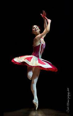 Anna Tsygankova (Het Nationale Ballet) in Don Quixote (Amsterdam, 2013). Photo by Sasha Gouliaev